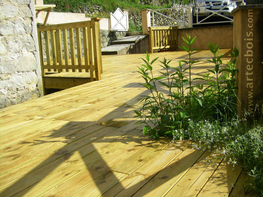 Artecbois terrasses en bois pos es platelages et for Amenagement terrasse sol