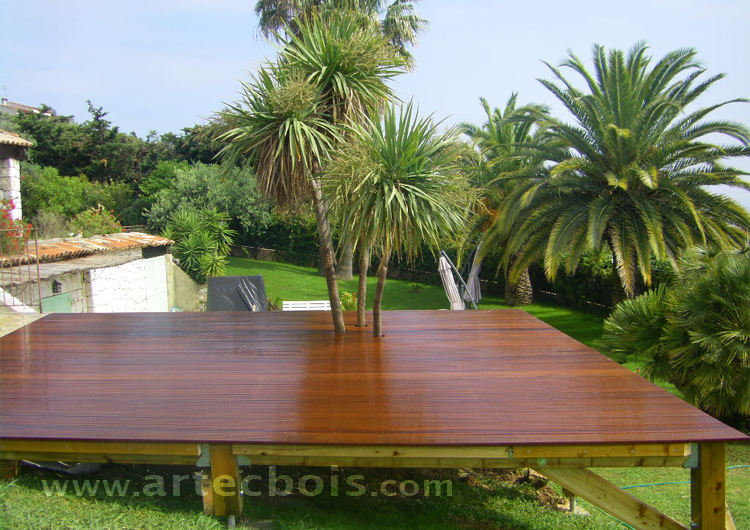 construire terrasse bois exterieur diverses id es de conception de patio en bois. Black Bedroom Furniture Sets. Home Design Ideas