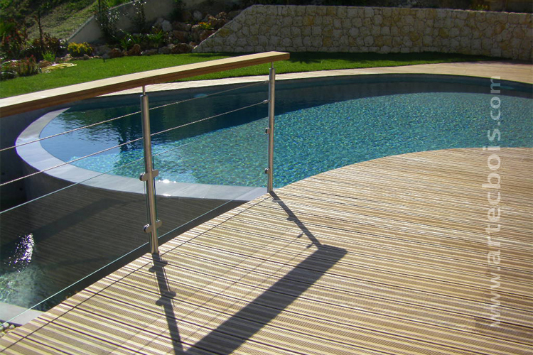 Artecbois terrasses en bois et amenagements exterieurs en for Barriere de piscine en verre